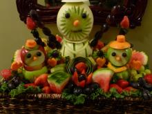 Snowmen fruit display