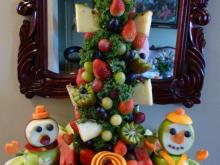 Christmas tree fruit display